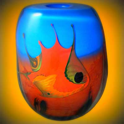 vase en verre souffle bouche orange bleu a decor de poisson 14